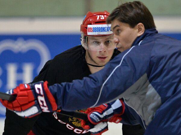 Иван Фищенко (на втором плане) и Игорь Никитин