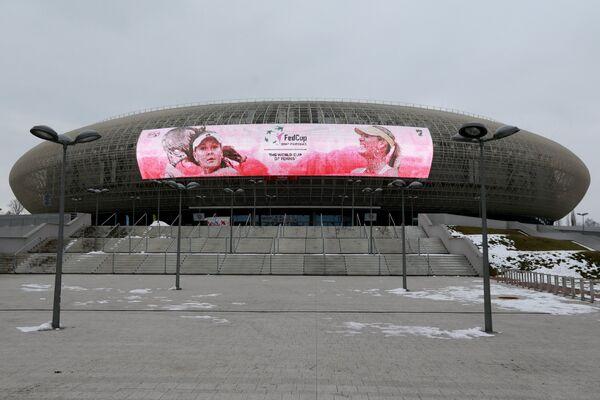Световое табло на фасаде стадиона Краков Арена