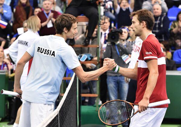Андрей Кузнецов (слева) и Фредерик Нильсен