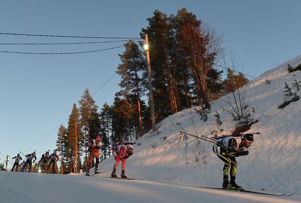 Справа налево: Симон Фуркад (Франция), Уле-Эйнар Бьерндален (Норвегия)