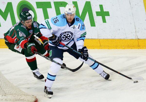 Александр Бурмистров (слева) и Йонас Энлунд