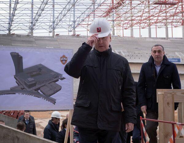 Сергей Собянин (слева) и президент ПФК ЦКА Евгений Гинер
