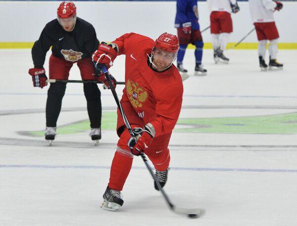 Евгений Бирюков (на первом плане)