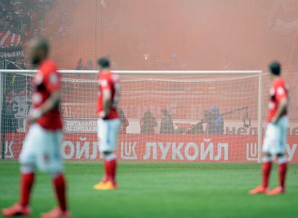 Футболисты Спартака во время матча 28-го тура чемпионата России по футболу