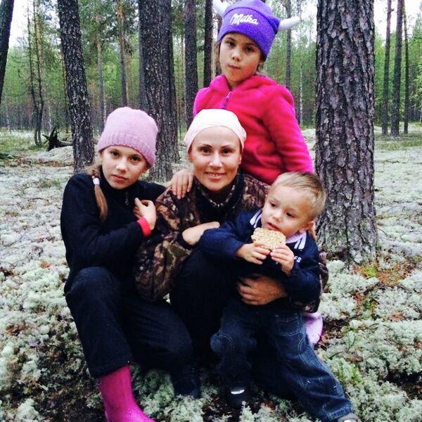 Юлия Чепалова с детьми