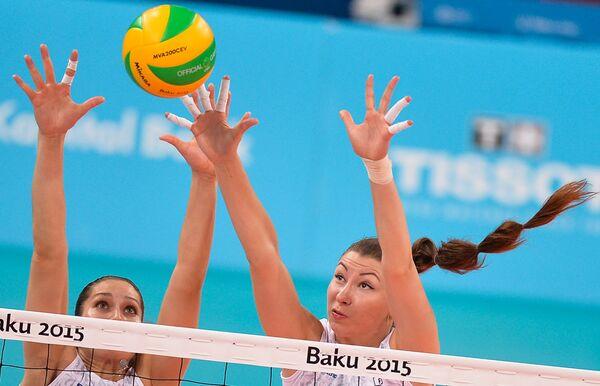 Дарья Исаева и Ирина Заряжко (справа)
