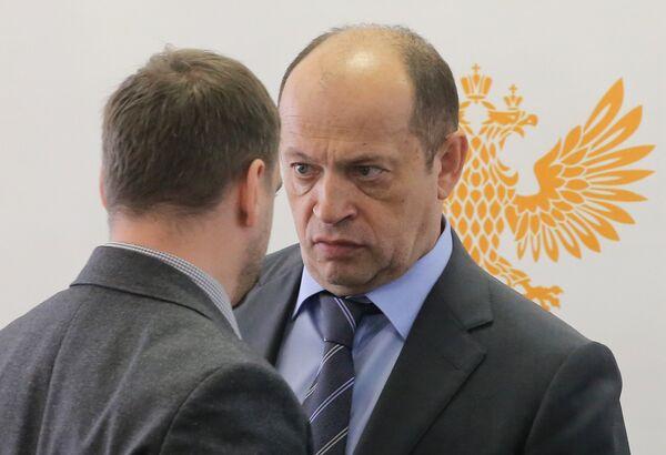 Сергей Прядкин (справа)