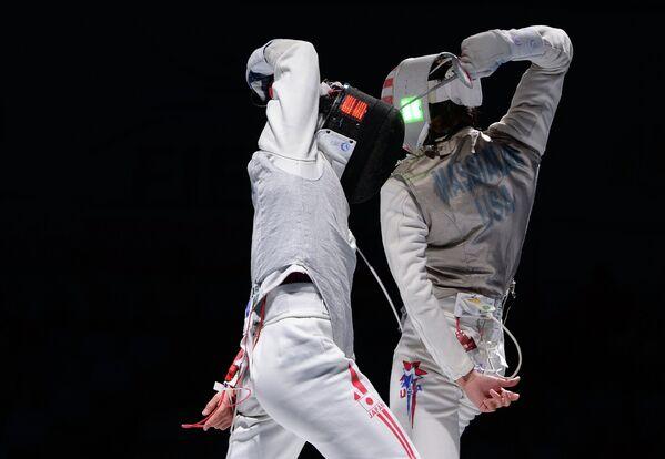 Слева направо: Юки Ота (Япония) и Александр Массиалас (США)