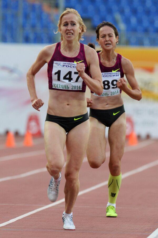 Наталья Попкова (слева)