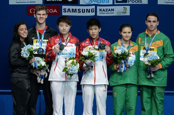 Меган Бенфейто и Венсан Рьендо, Сы Яцзе и Тай Сяоху, Домоник Беджгуд и Мелисса Ву (слева направо)