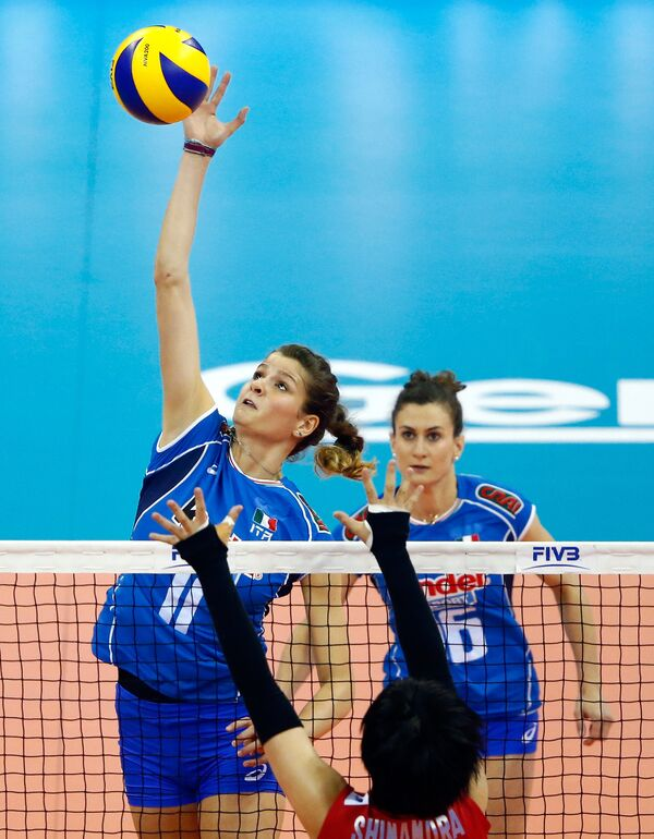 Волейболистки сборной Италии Кристина Кирикелла (на переднем плане)