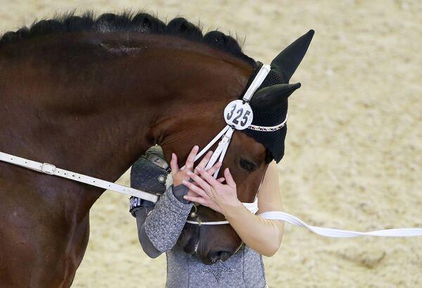 Серебряный призер чемпионата Европы по конному спорту немка Коринна Кнауф