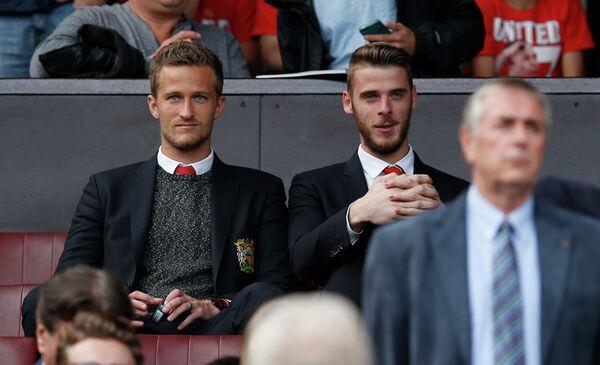 Голкиперы Манчестер Юнайтед Андерс Линдегор и Давид де Хеа (слева направо)