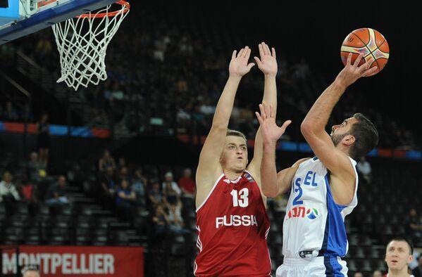 Игровой момент матча Израиль - Россия