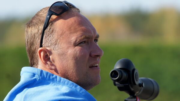 Тренер Сергей Коновалов на чемпионате России по летнему биатлону