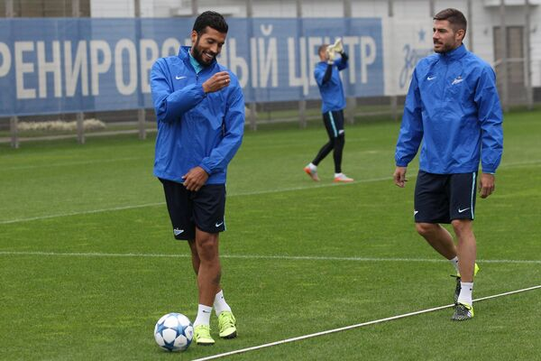 Эсекиэль Гарай (слева) и Хави Гарсия