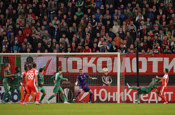 Игровой момент матча Локомотив - Скендербеу