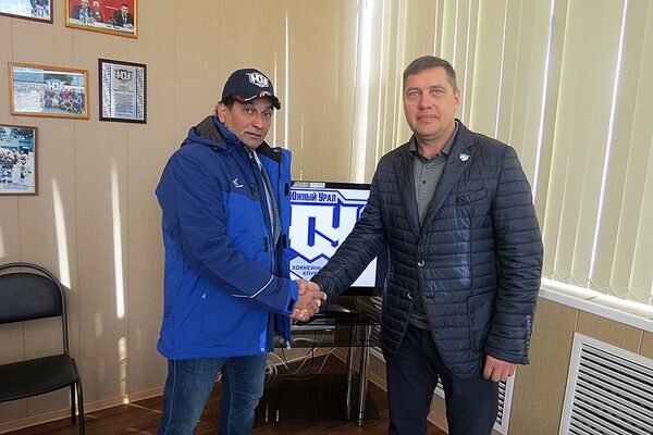 Руслан Сулейманов (слева)