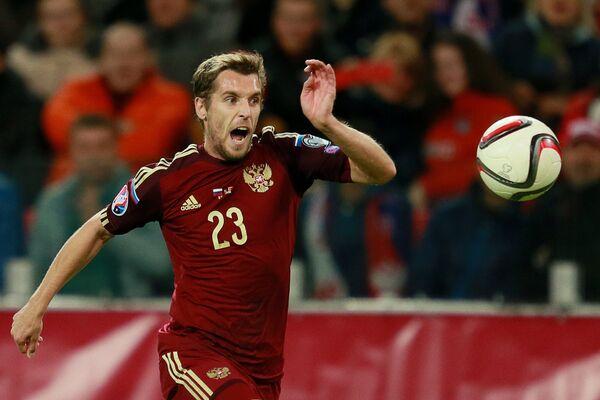 Защитник сборной России Дмитрий Комбаров