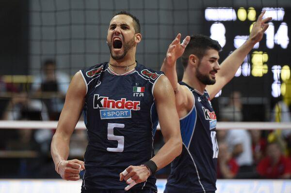 Диагональный сборной Италии по волейболу Османи Хуанторена (№5)