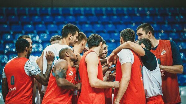Баскетболисты Локомотива-Кубани