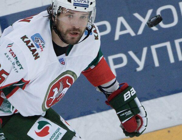 Хоккей. КХЛ. Форвард Ак Барса Александр Свитов