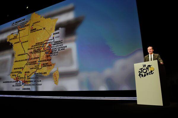 Директор Тура Кристиан Прюдомм во время презентации маршрута Тур де Франс-2015