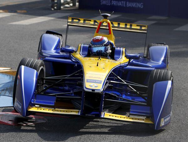 Швейцарcкий гонщик Себастьян Буэми из команды Renault e.Dams