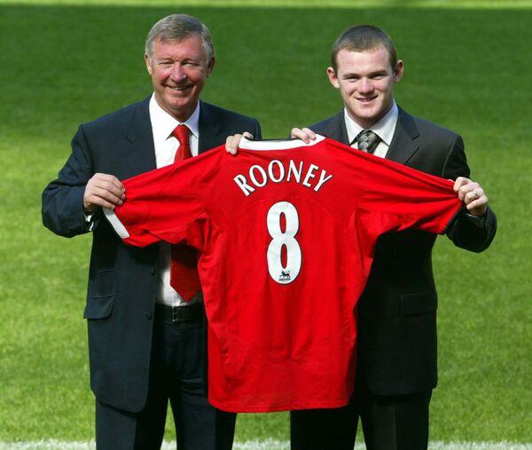 Сэр Алекс Фергюсон и Уэйн Руни после подписания контракта с Манчестер Юнайтед