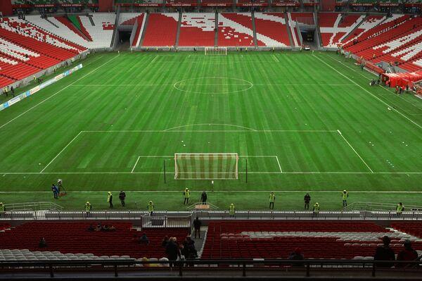 Стадион Казань-Арена, на котором завершились работы по укладке газона