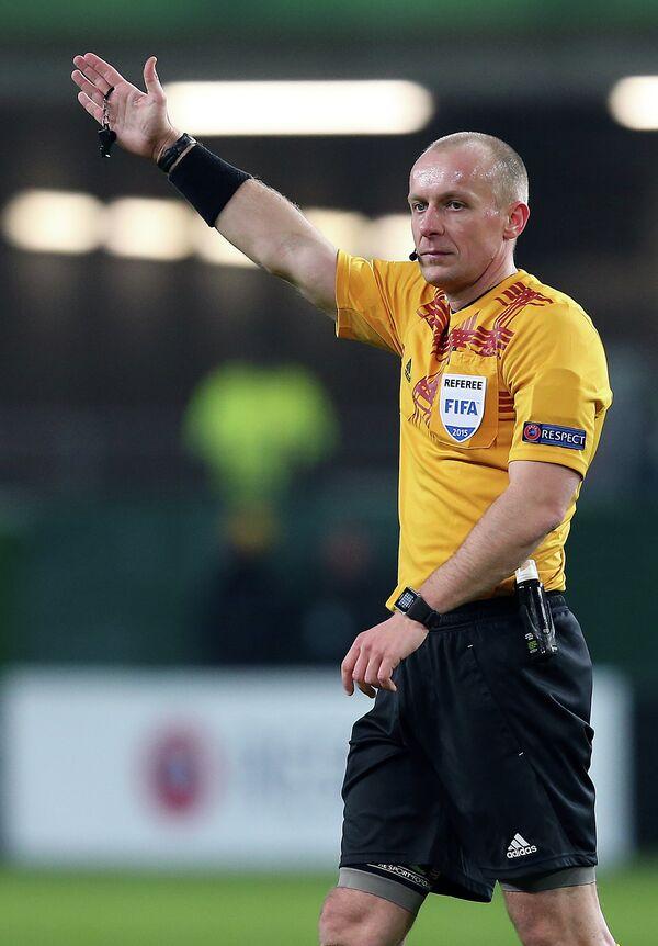 Польский футбольный судья Шимон Марчиняк