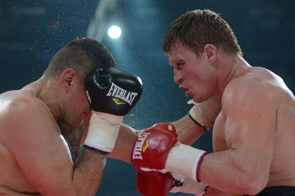 Мариуш Вах (Польша) и Александр Поветкин (Россия) (слева направо)