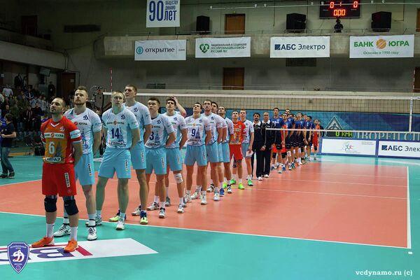 Волейболисты московского Динамо и Урала