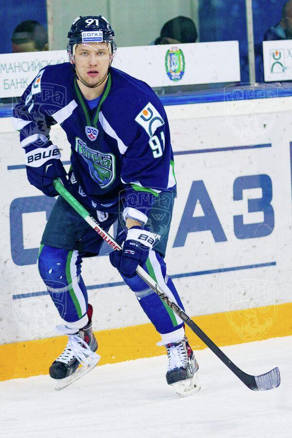 Хоккеист Югра Игорь Бортников