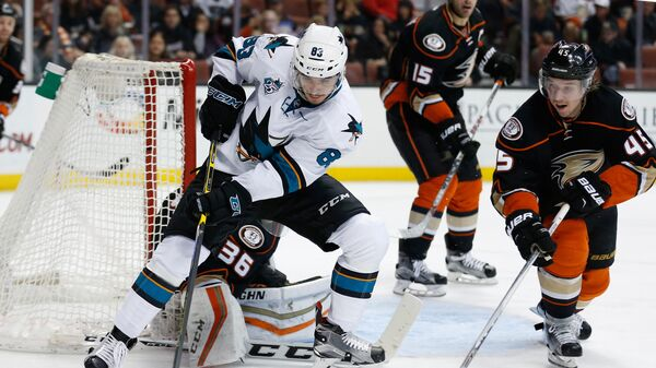 Игровой момент матча НХЛ Анахайм Дакс - Сан-Хосе Шаркс