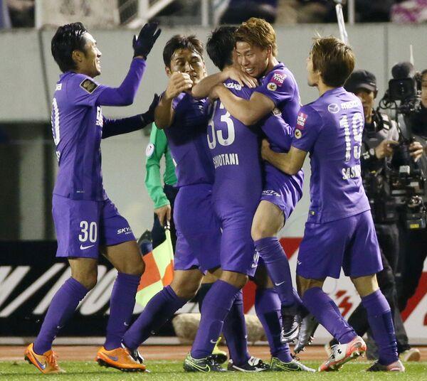 Футболисты Санфречче Хиросима