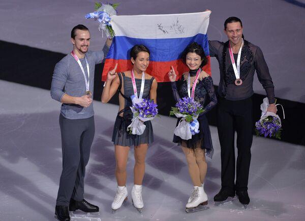 Ксения Столбова и Фёдор Климов, Юко Кавагути и Александр Смирнов (слева направо)
