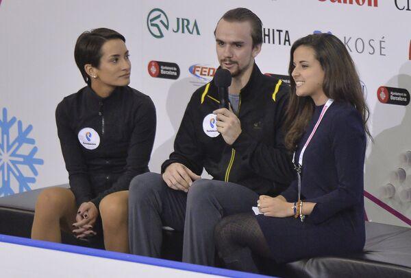 Фигуристы Ксения Столбова (слева) и Федор Климов после выступления в Финале Гран-при