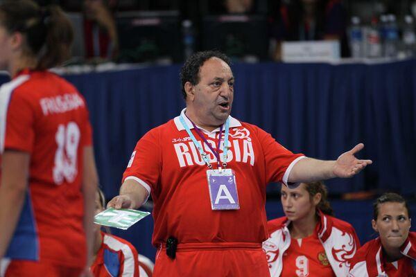 Левон Акопян