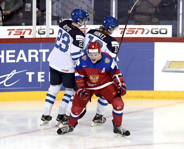 Нападающий молодежной сборной России по хоккею Андрей Светлаков