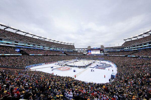 Игровой момент матча Зимней классики НХЛ Монреаль - Бостон