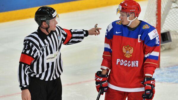 Владислав Каменев (справа)