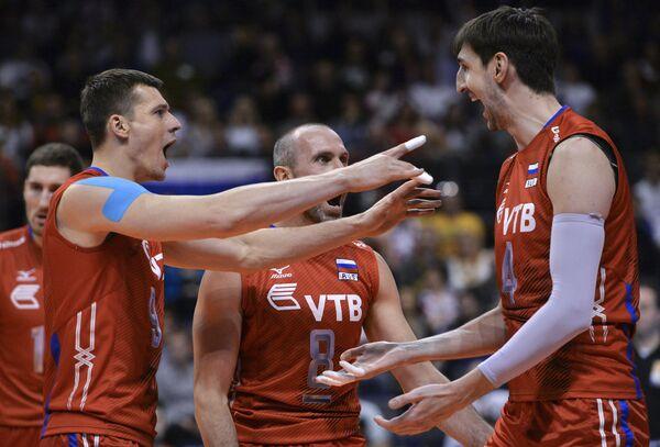 Волейболисты сборной России Юрий Бережко, Сергей Тетюхин и Артем Вольвич (слева направо)