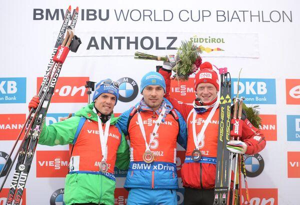 Слева направо: Симон Шемпп, Антон Шипулин и Йоханнес Бё