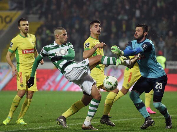 Игровой момент матча Пасуш де Феррейра - Спортинг