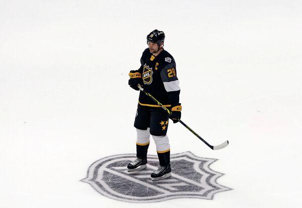 Нападающий клуба НХЛ Монреал Канадиенс Джон Скотт