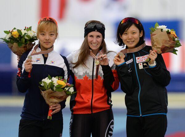 Ким Бо Рым, Ивани Блонден и Михо Такаги (слева направо)