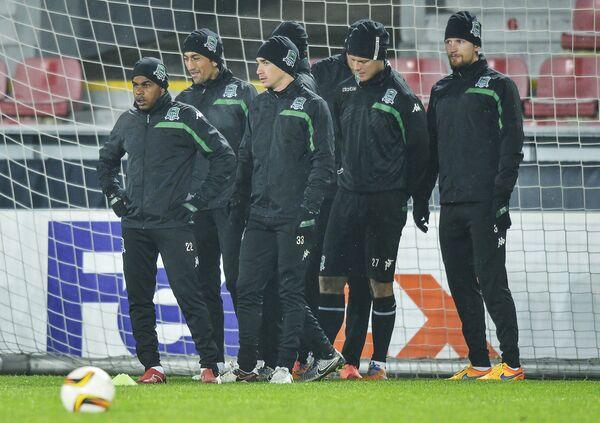 Игроки ФК Краснодар Жоаозиньо, Одил Ахмедов, Маурисио Перейра, Рагнар Сигурдссон и Стефан Страндберг ( слева направо)