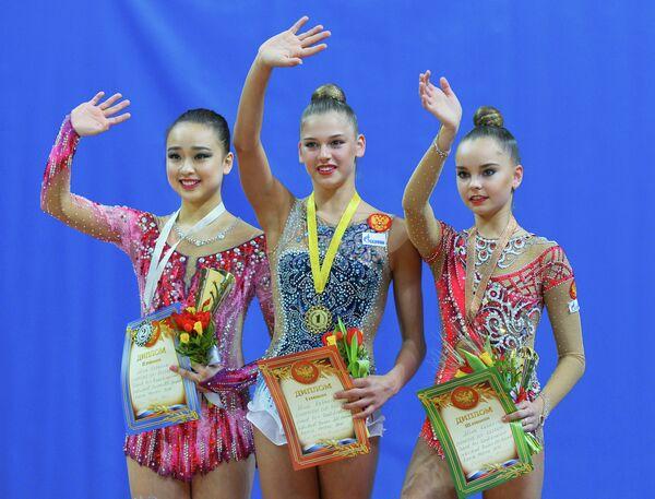 Сон Ен Чжи (Республика Корея), Александра Солдатова (Россия) и Арина Аверина (Россия) (слева направо)