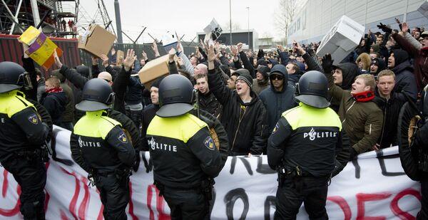 Болельщики Фейенорда и полиция
